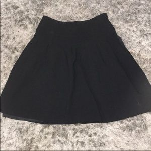 BANANA REPUBLIC SKIRT GREAT CONDITION SIZE 0